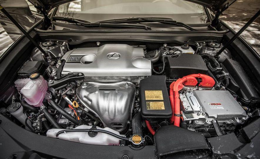 2013 Lexus ES300h - Slide 40