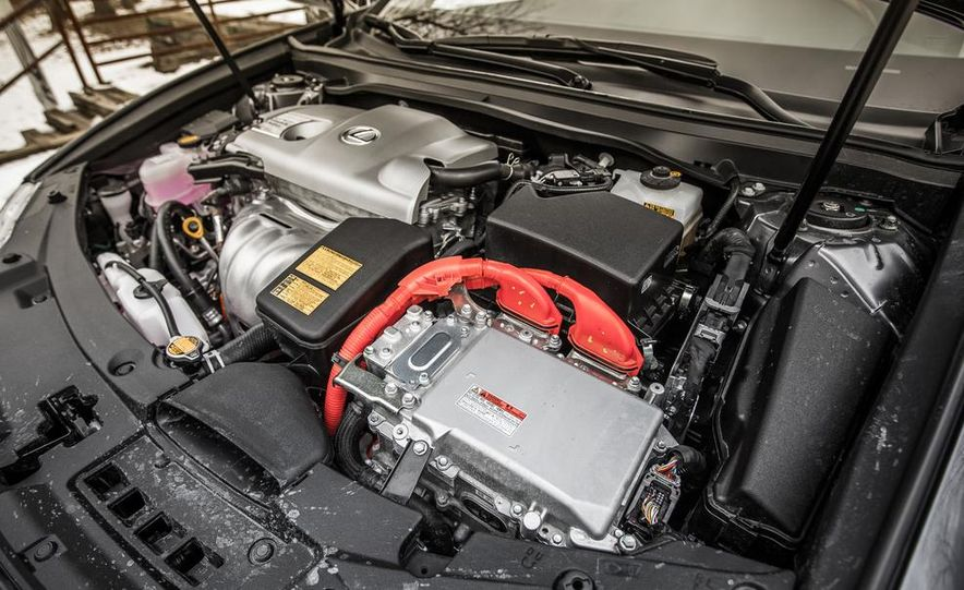 2013 Lexus ES300h - Slide 41