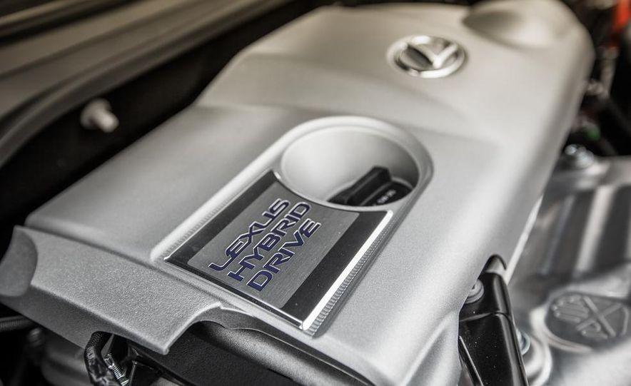 2013 Lexus ES300h - Slide 42