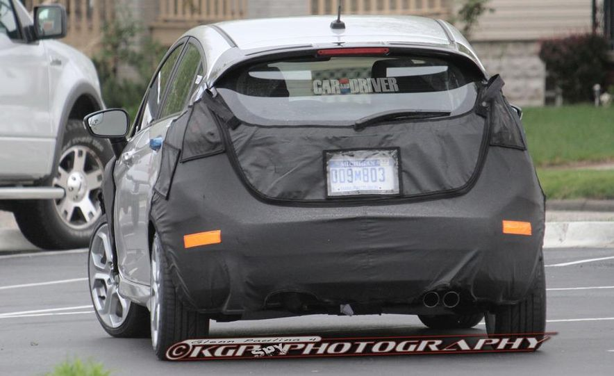 2014 Ford Fiesta ST 5-door (spy photo) - Slide 6