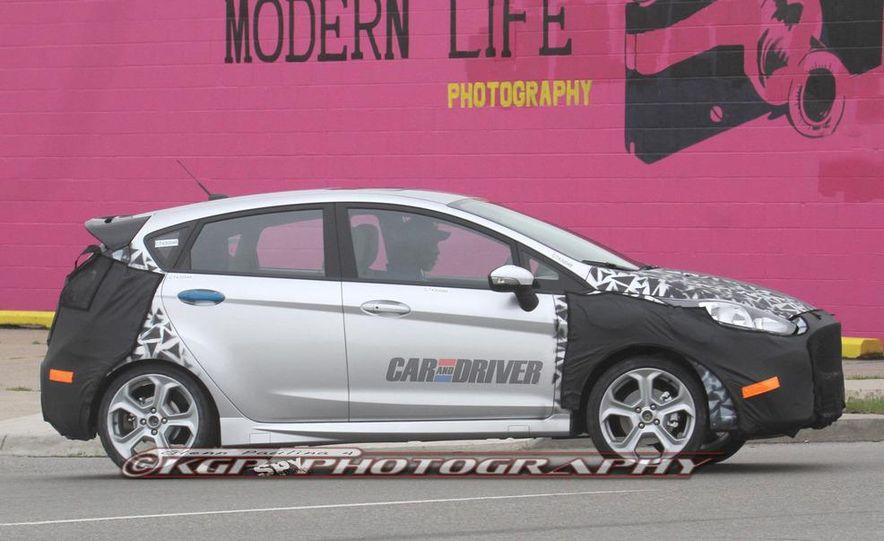 2014 Ford Fiesta ST 5-door (spy photo) - Slide 7