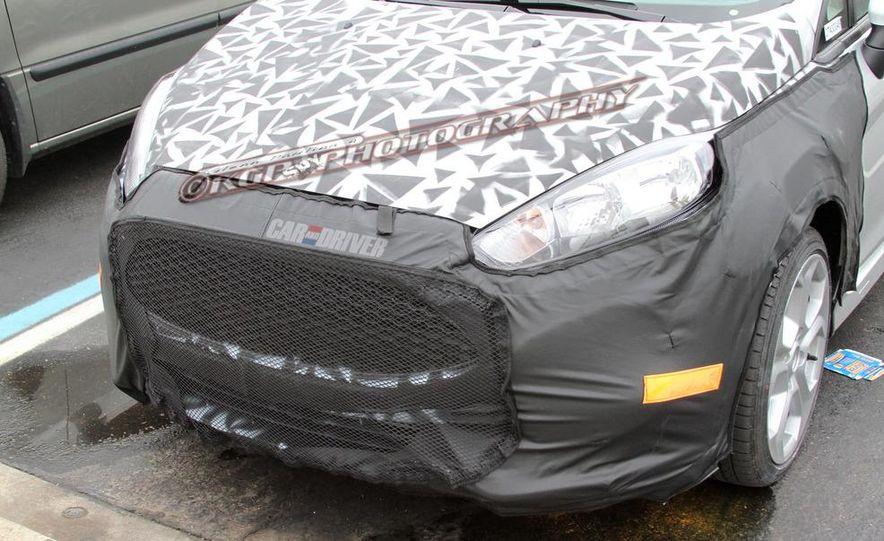 2014 Ford Fiesta ST 5-door (spy photo) - Slide 11