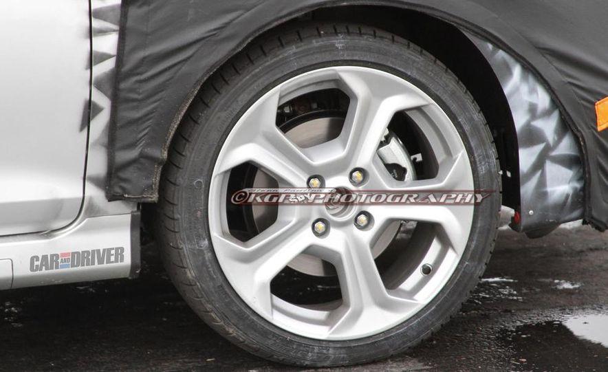 2014 Ford Fiesta ST 5-door (spy photo) - Slide 13