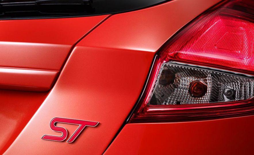 2014 Ford Fiesta ST 5-door (spy photo) - Slide 26