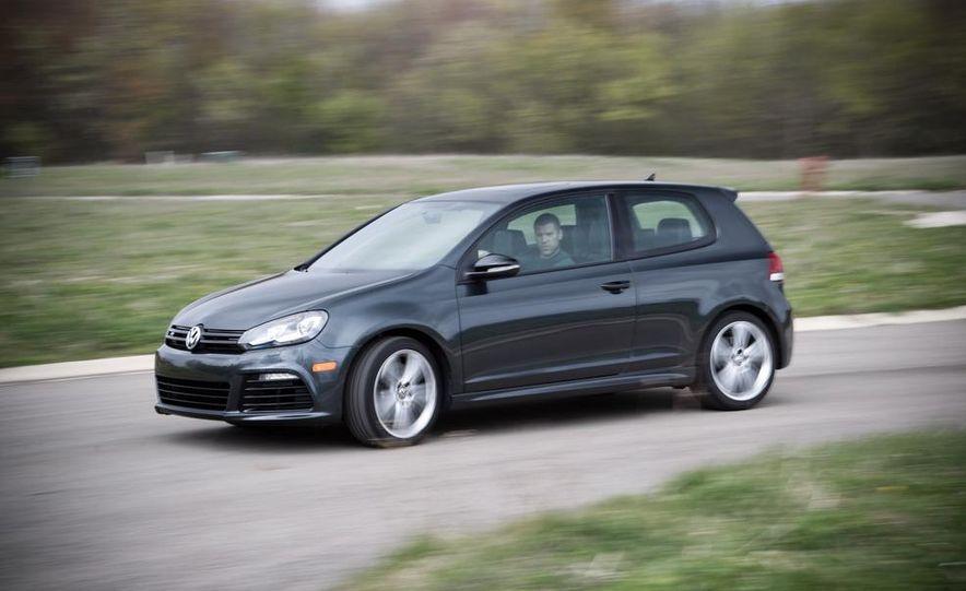 2012 Volkswagen Golf R - Slide 3