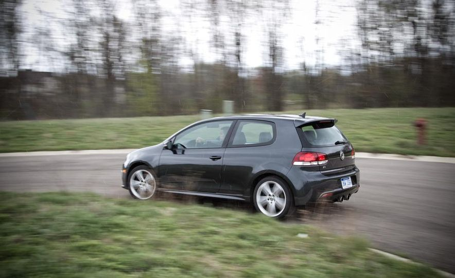2012 Volkswagen Golf R - Slide 6