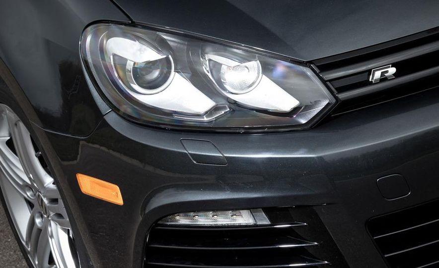 2012 Volkswagen Golf R - Slide 9