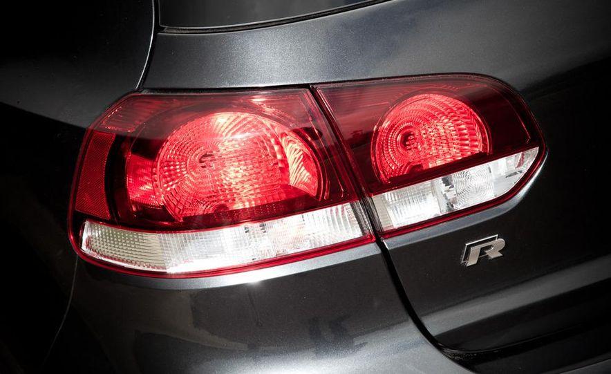 2012 Volkswagen Golf R - Slide 11