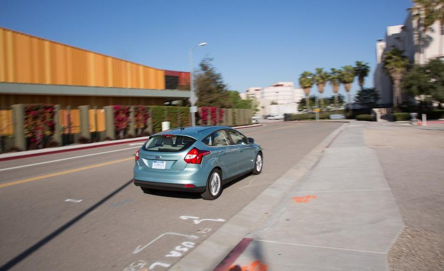 2012 Ford Focus Electric - Slide 4