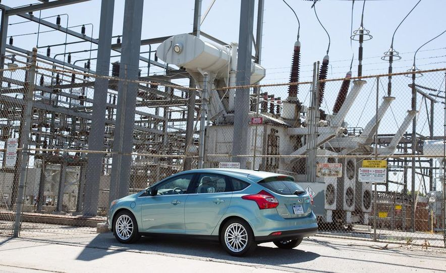 2012 Ford Focus Electric - Slide 9