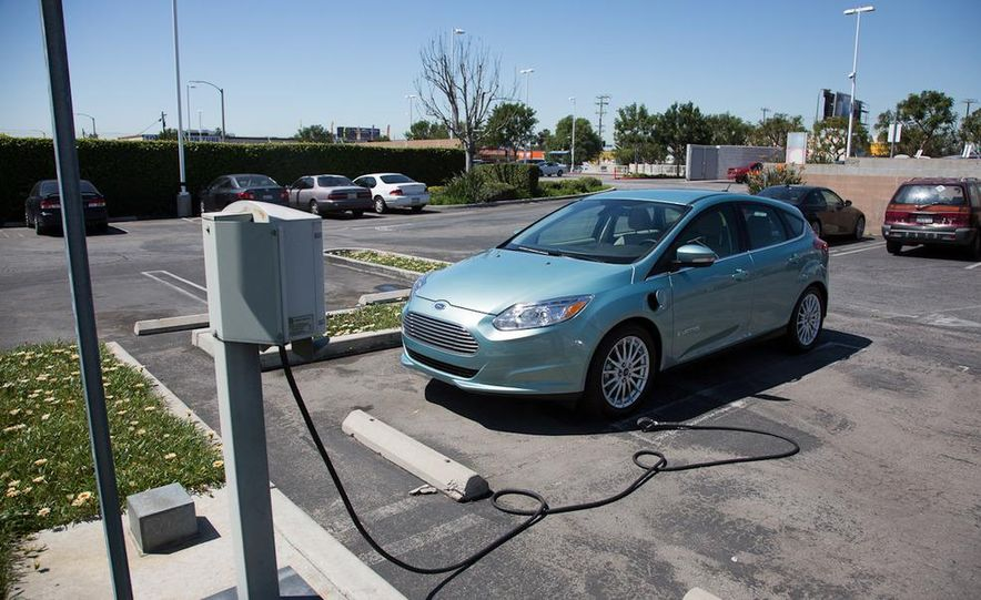 2012 Ford Focus Electric - Slide 10