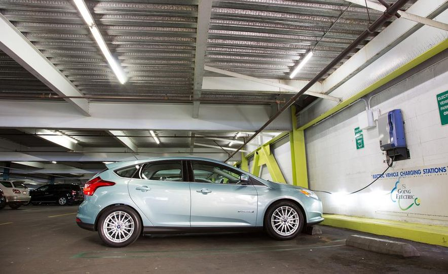 2012 Ford Focus Electric - Slide 14