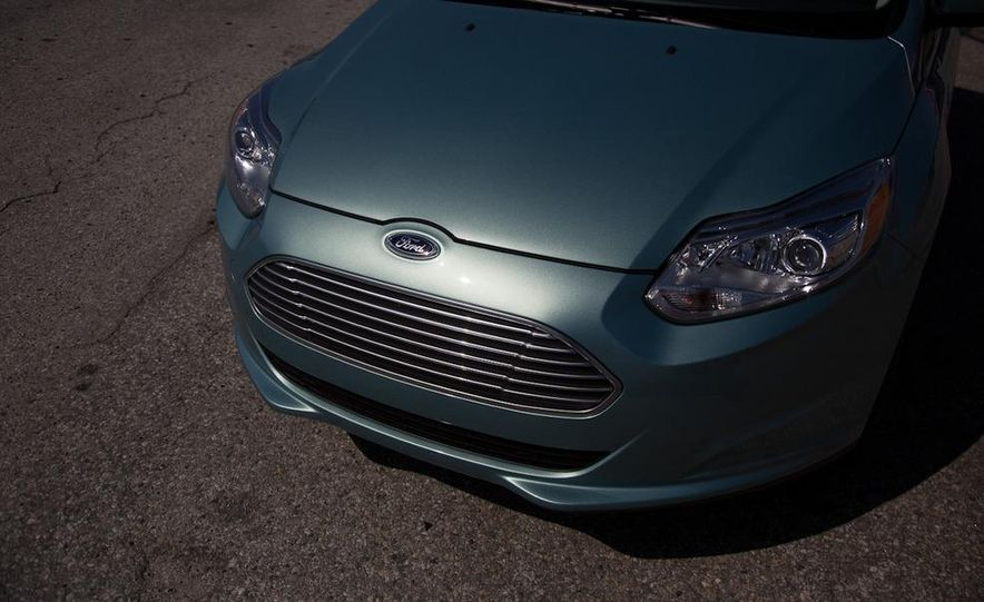 2012 Ford Focus Electric - Slide 21