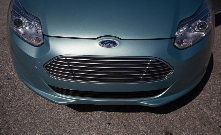 2012 Ford Focus Electric - Slide 22