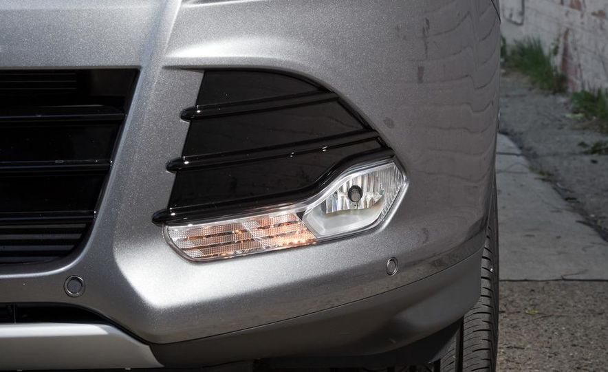 2013 Ford Escape Titanium 4WD - Slide 16