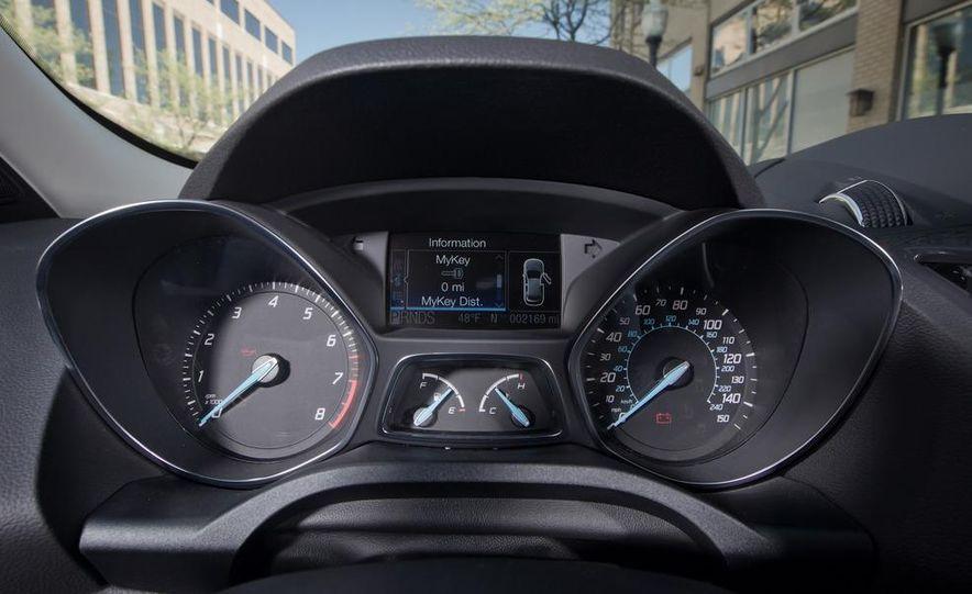 2013 Ford Escape Titanium 4WD - Slide 25