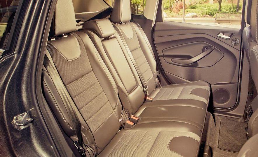 2013 Ford Escape Titanium 4WD - Slide 20