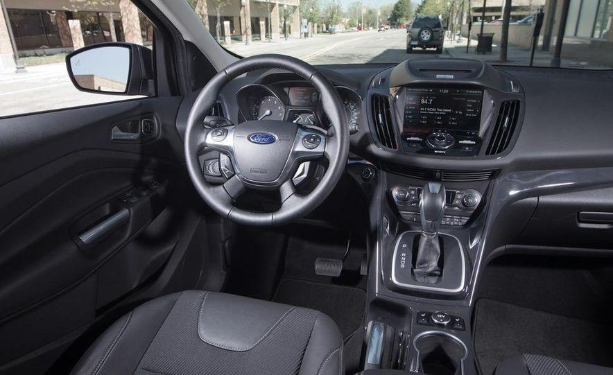 2013 Ford Escape Titanium 4WD - Slide 21