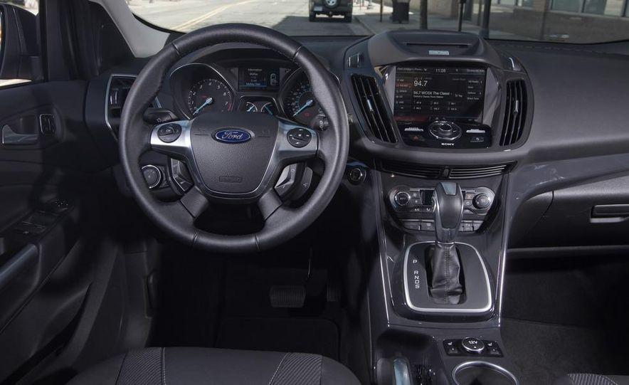 2013 Ford Escape Titanium 4WD - Slide 23