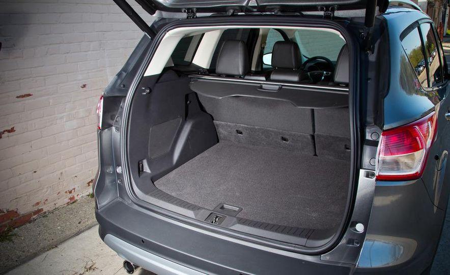 2013 Ford Escape Titanium 4WD - Slide 15