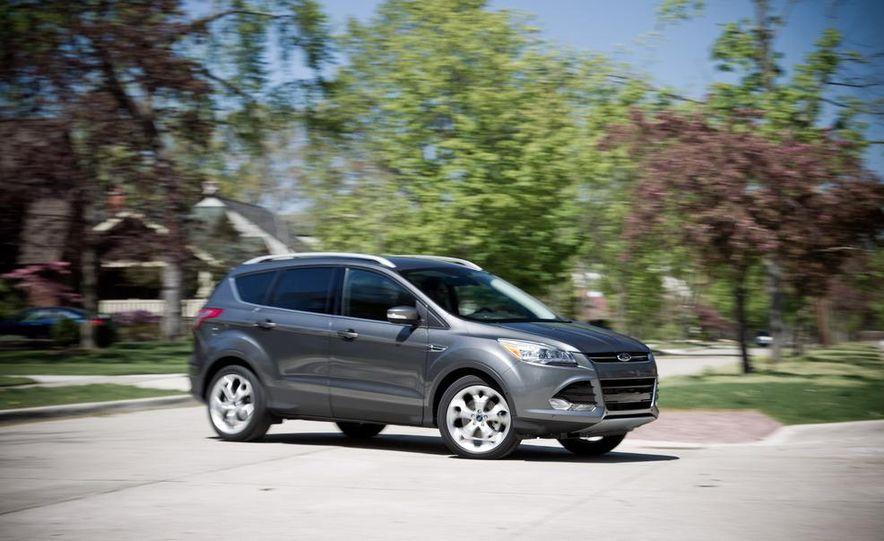 2013 Ford Escape Titanium 4WD - Slide 14