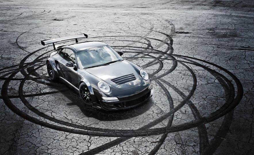 Champion Motorsport Porsche 911 Turbo RSR - Slide 1