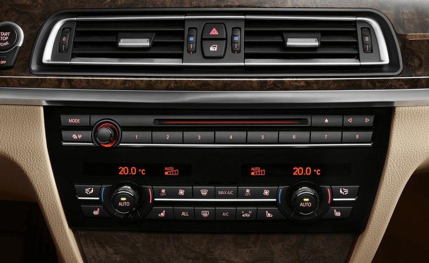 2013 BMW 750d xDrive and 750Li - Slide 17