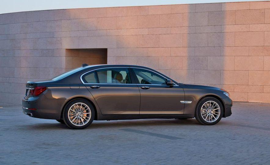 2013 BMW 750d xDrive and 750Li - Slide 23