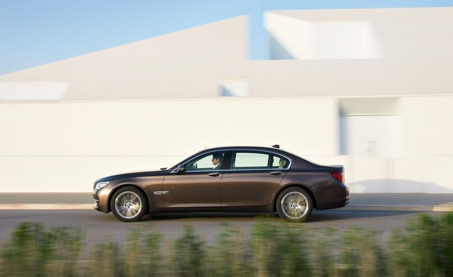 2013 BMW 750d xDrive and 750Li - Slide 28