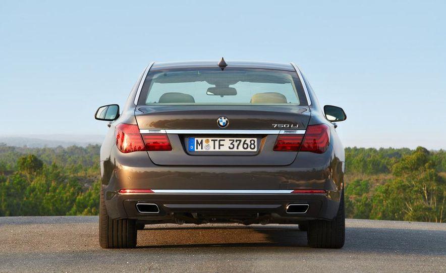 2013 BMW 750d xDrive and 750Li - Slide 39