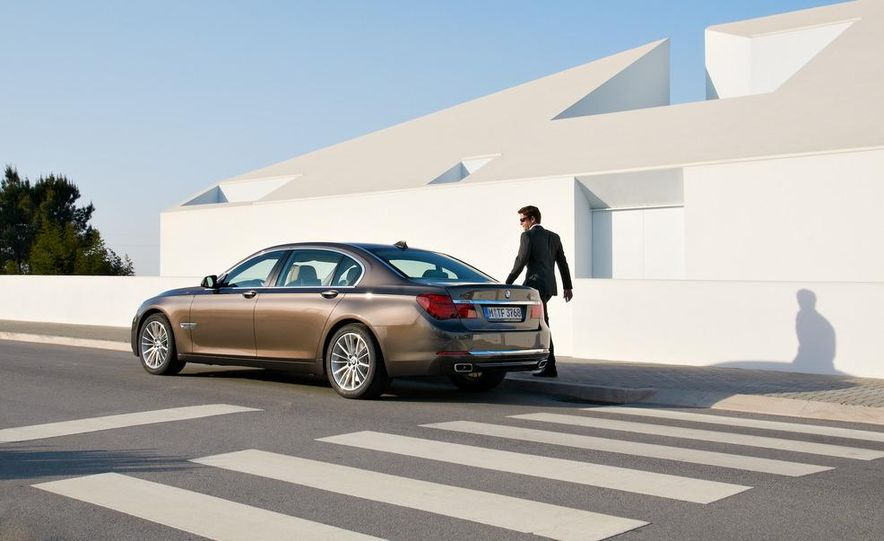 2013 BMW 750d xDrive and 750Li - Slide 41