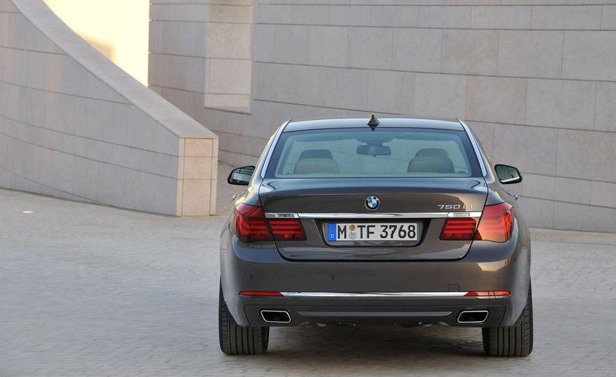 2013 BMW 750d xDrive and 750Li - Slide 42