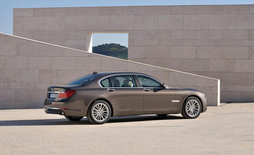 2013 BMW 750d xDrive and 750Li - Slide 43