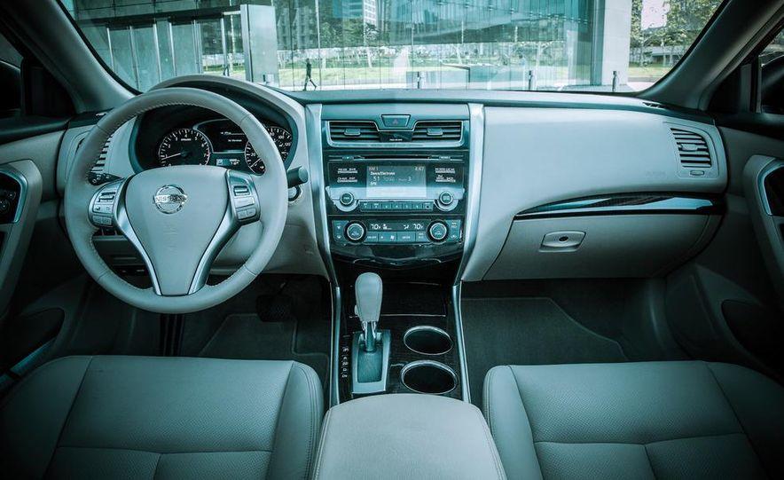 2013 Nissan Altima 2.5 SL - Slide 5