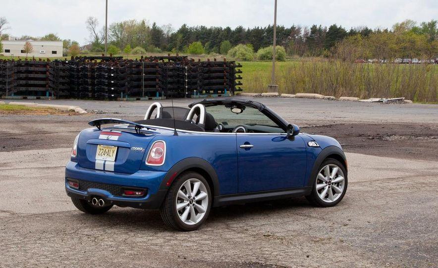 2012 Mini Cooper S Roadster - Slide 4