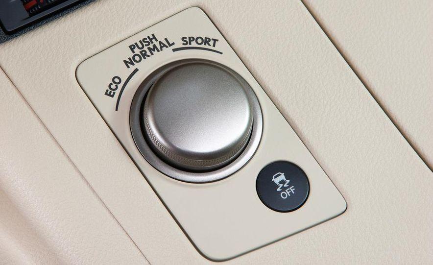 2013 Lexus ES350 - Slide 27