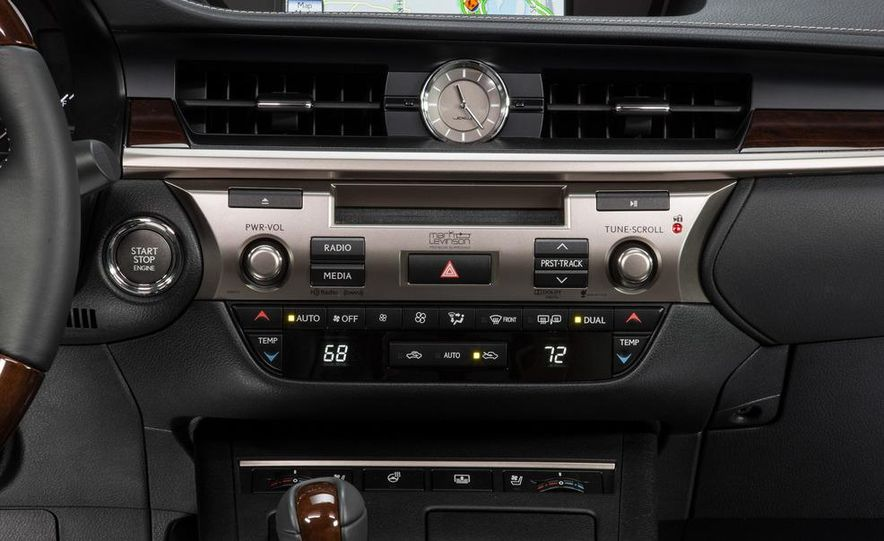 2013 Lexus ES350 - Slide 29