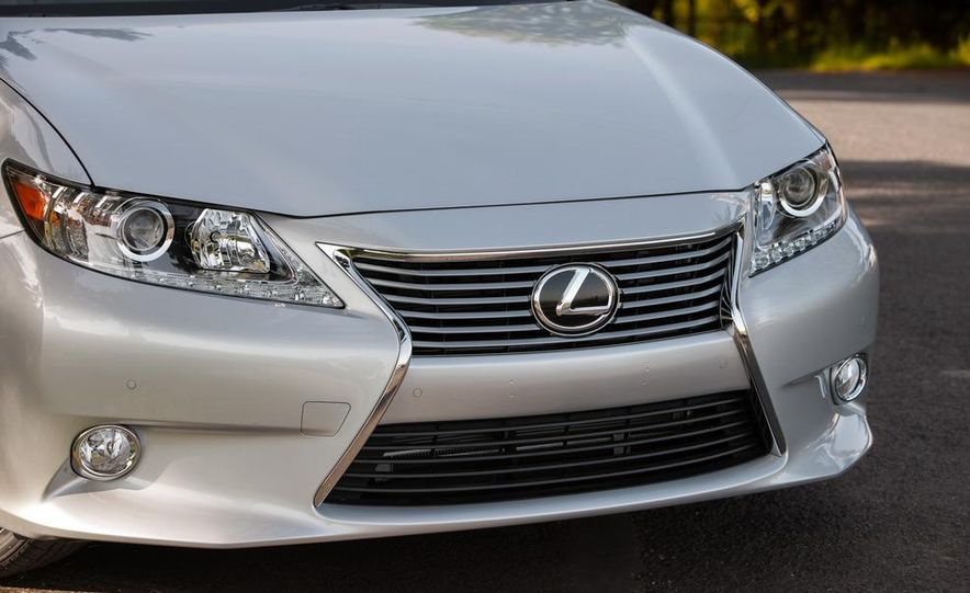 2013 Lexus ES350 - Slide 5