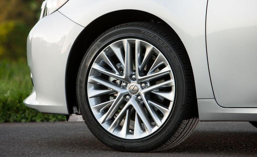 2013 Lexus ES350 - Slide 19