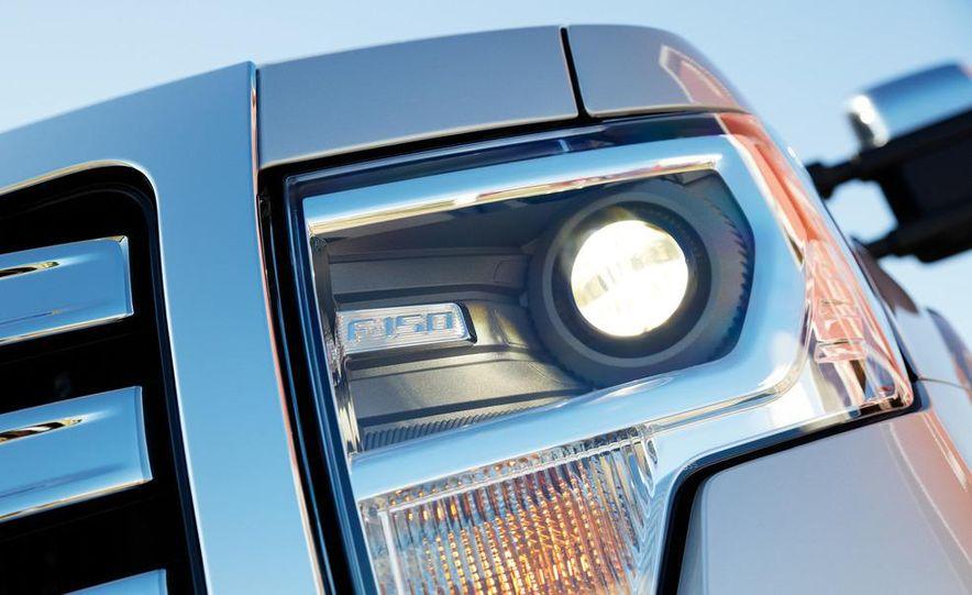 2013 Ford F-150 Lariat - Slide 12