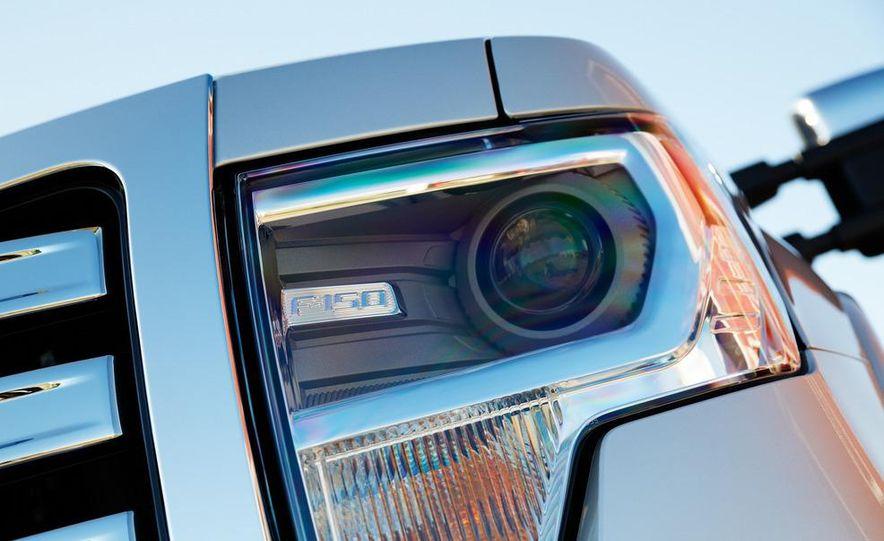 2013 Ford F-150 Lariat - Slide 13