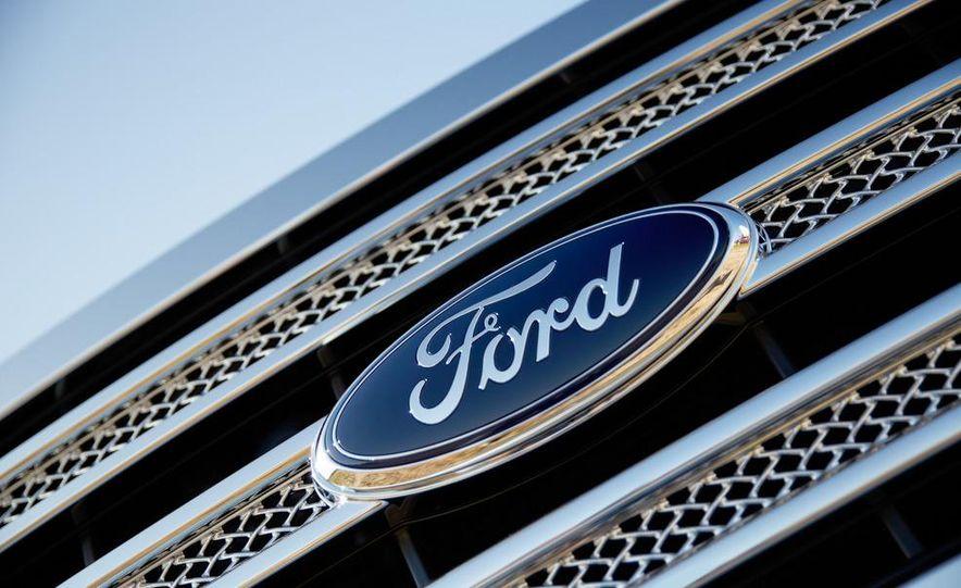 2013 Ford F-150 Lariat - Slide 11