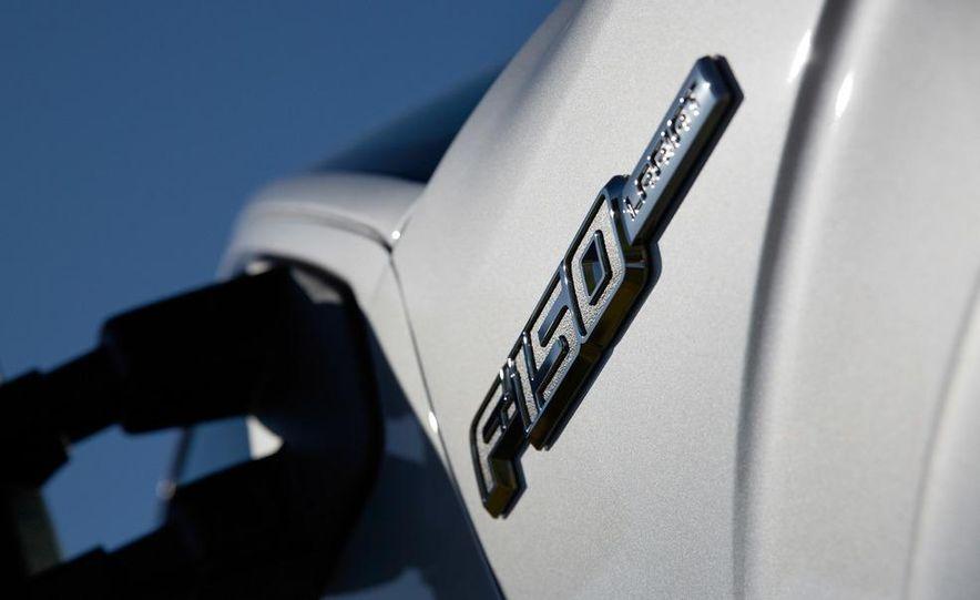 2013 Ford F-150 Lariat - Slide 14