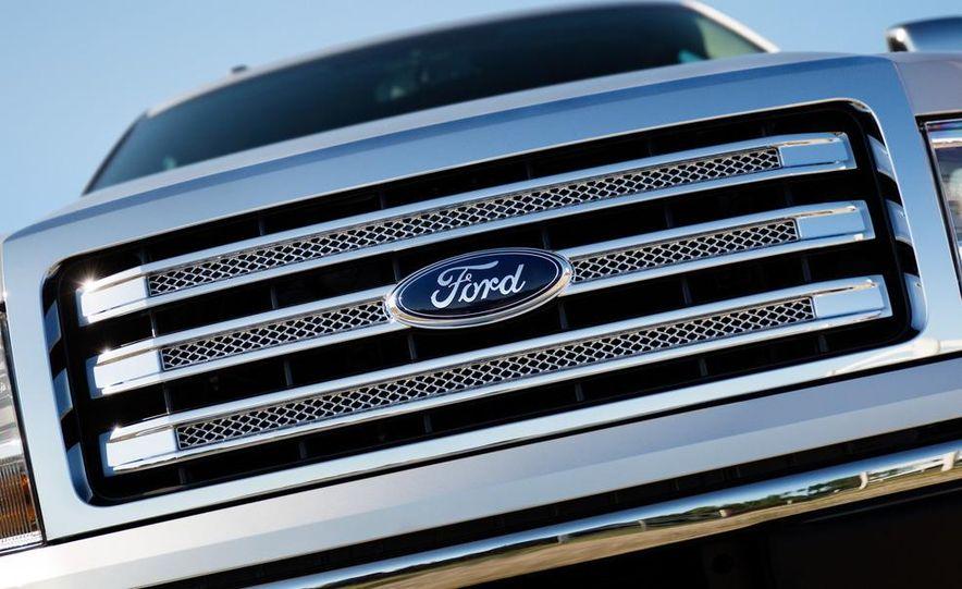 2013 Ford F-150 Lariat - Slide 9