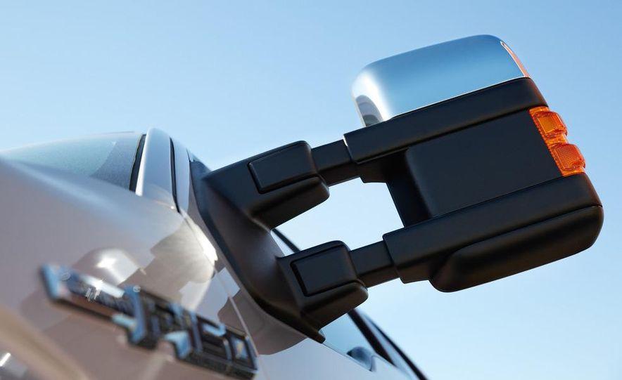 2013 Ford F-150 Lariat - Slide 15