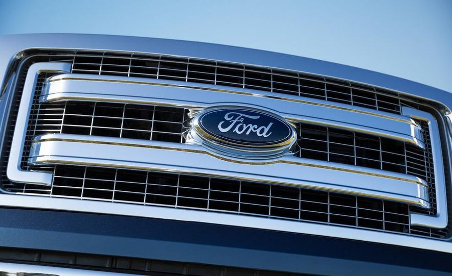 2013 Ford F-150 Lariat - Slide 24