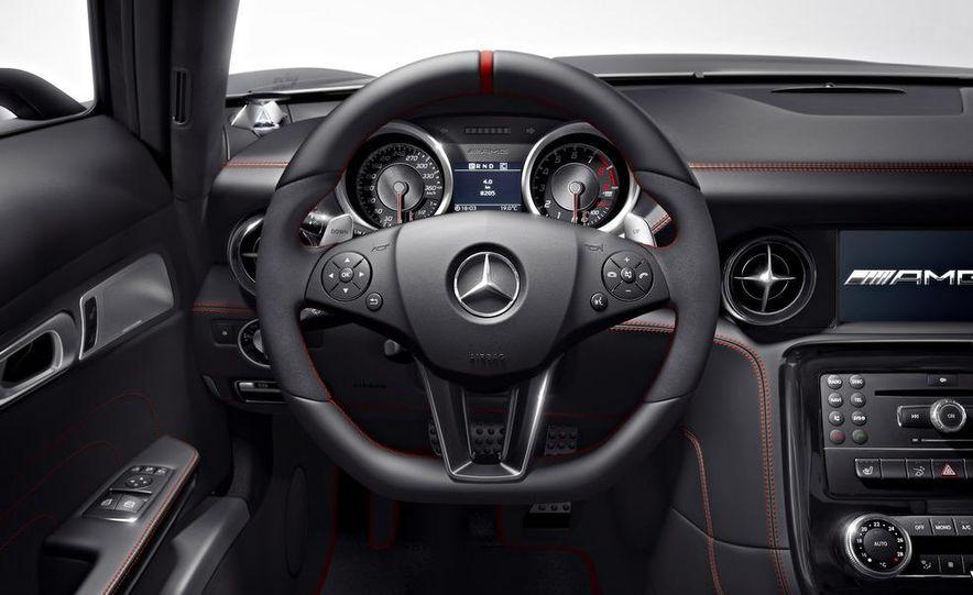 2013 Mercedes-Benz SLS AMG GT coupe - Slide 5