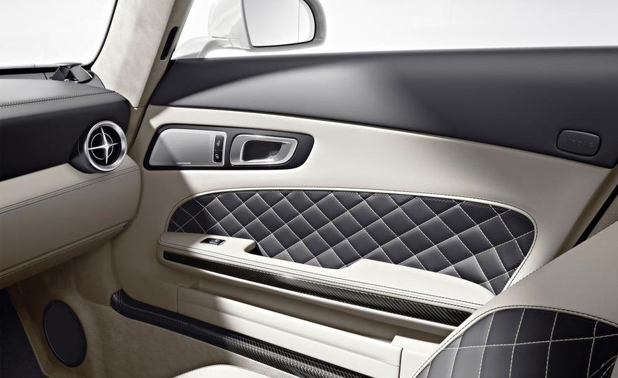 2013 Mercedes-Benz SLS AMG GT coupe - Slide 6