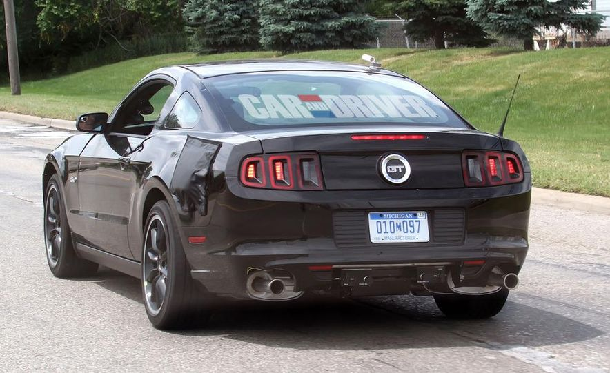 2015 Ford Mustang coupe (spy photo) - Slide 2