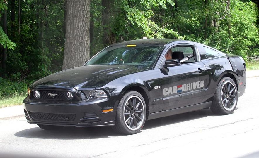 2015 Ford Mustang coupe (spy photo) - Slide 1